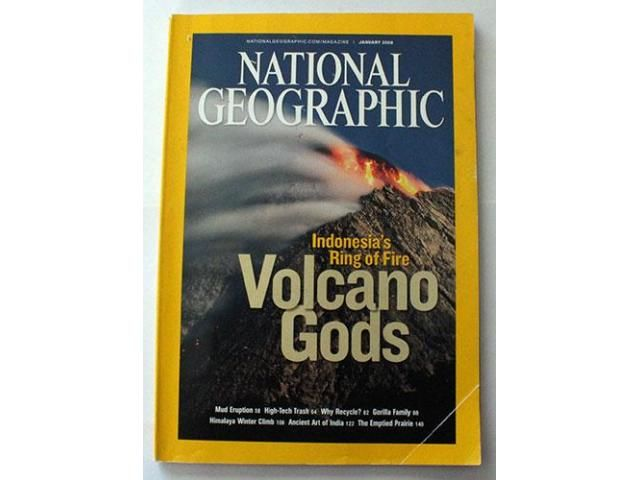 National Geographic magazine for sale - January 2008 Indonesia's ring of fire - Volcano gods. Mud eruptions.