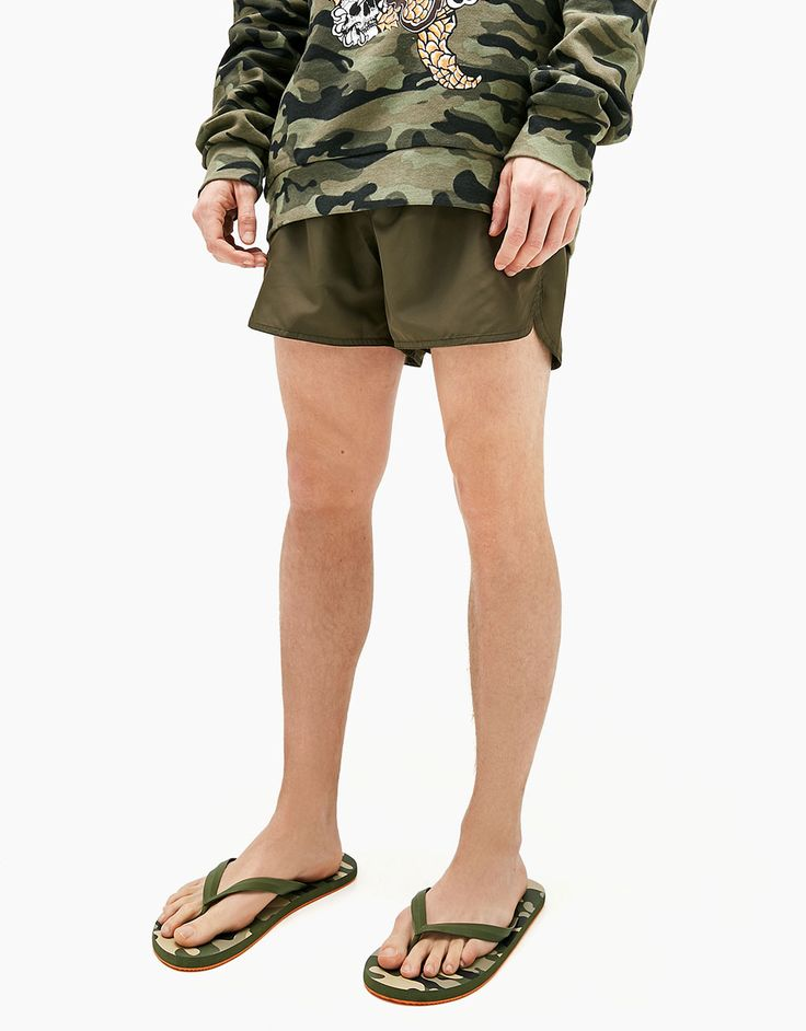 Sandalia de baño camuflaje hombre - Bañadores - Bershka Ecuador