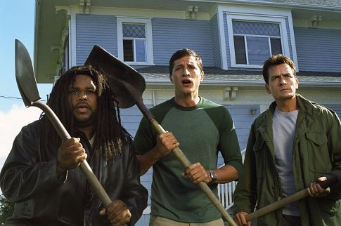 Charlie Sheen, Simon Rex, and Anthony Anderson in Scary Movie 3 (2003)