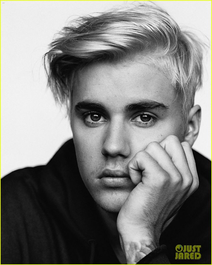 Justin Bieber Wanted to Hold on to His Relationship With Selena Gomez: Photo #892533. Justin Bieber gives the camera a little wink for the latest cover of i-D magazine.    The 21-year-old