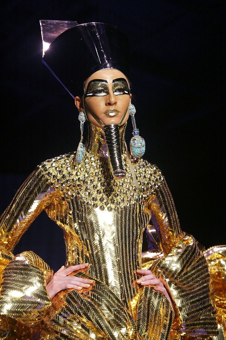 John Galliano's 2004 Egyptian-themed Haute Couture show for Christian Dior #FashionMoments