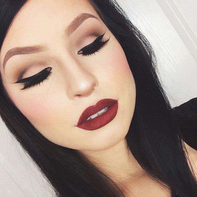 Really good example of how eye makeup can make your bone structure more prominent and really set your eyes.