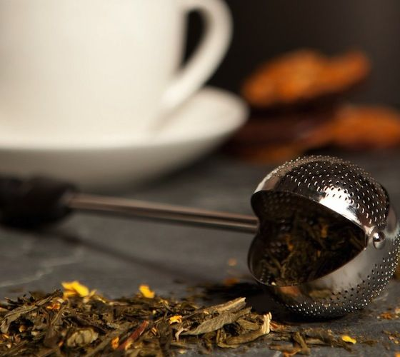 Loose leaf #tea just got a lot less complicated. The oxo good grips twist-tea ball makes it easy to scoop up the desired amount of loose leaf tea. - http://thegadgetflow.com/portfolio/twisting-tea-ball-13/