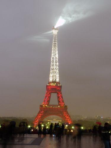 Tour Eiffel aux couleurs du drapeau de la Turquie en 2009