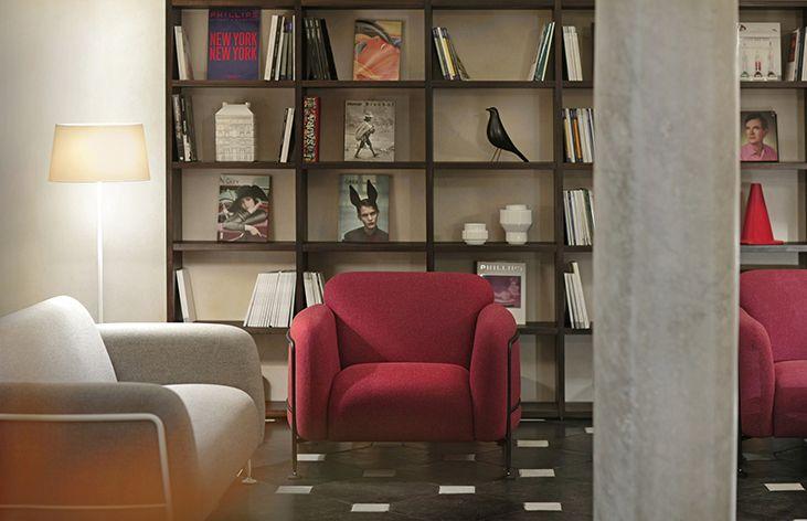 Vibia - Contract - Palazzo Grillo - WireflowLineal_Warm_Skan_ICono_North - reception 5