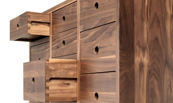 With several detailed drawers, this piece is the perfect one for your living room. All the drawers has different dimensions that makes it the perfect sideboard to organize spaces. It is perfect for daily goods storage in a living room, office or hall. #contador #solidwood #storage #console