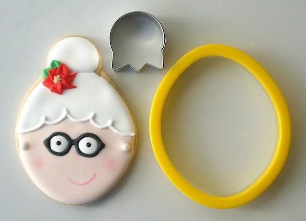 Mrs. Claus Cookies with Make Me, Cake Me via Sugarbelle {Guest Post]