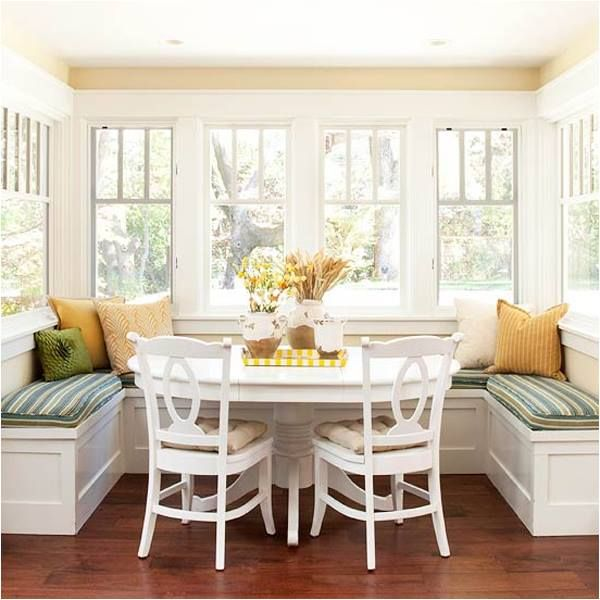 This bright and inviting breakfast nook looks like the perfect place to start your day!