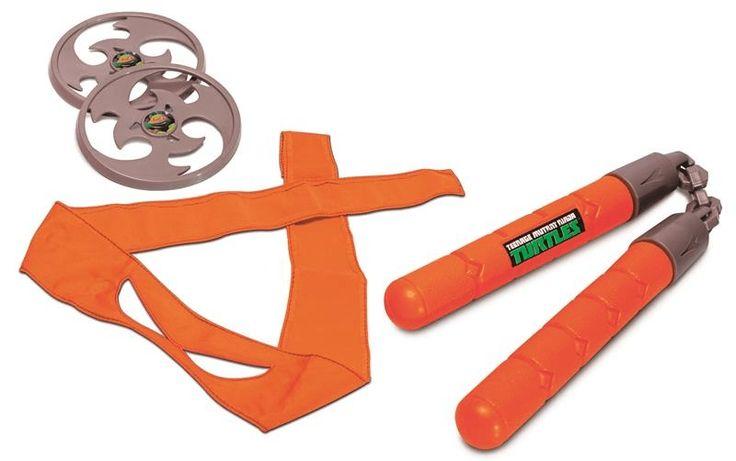 Acessórios Tartaruga Ninja - Armas e Máscaras   A Garotada irá se encantar com estes acessórios. Com uma máscara em tecido e a arma específica de casa personagem você se tornará um verdadeiro herói.  Muita diversão e aventura!  Seja sua Tartaruga Preferida! Veja nosso produto! Se gostar, pode nos ajudar pinando-o em algum de seus painéis :)