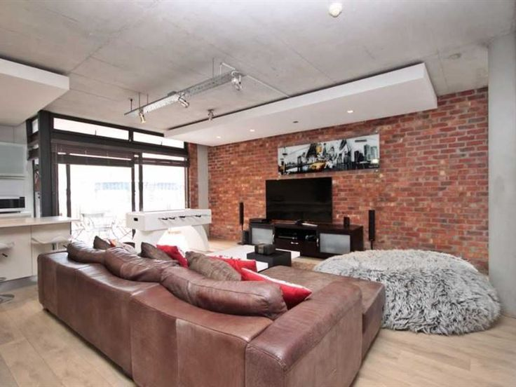 804 Metropolis - An exquisite, trendy self-catering apartment is set in the heart of vibrant De Waterkant.The apartment is modernly furnished, it consists of 2 bedrooms, 2 bathrooms, and secured parking in the building. ... #weekendgetaways #dewaterkant #capetowncentral #southafrica