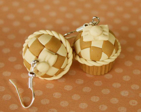 retro fashion vanilla caramel checkers cupcake by TinkyPinky