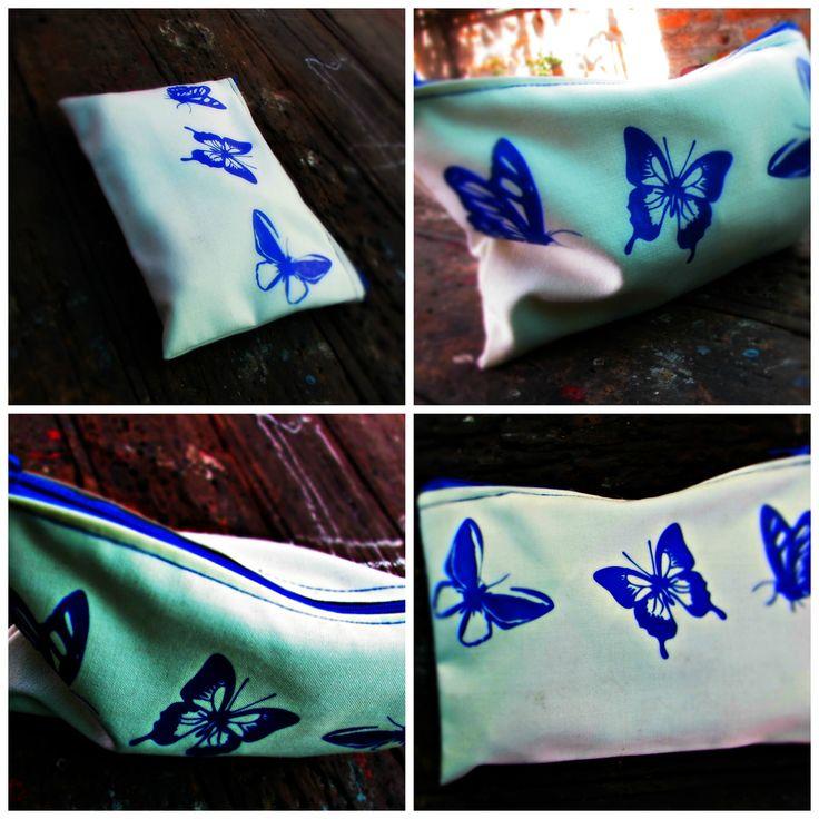 Estuche estampado mariposas