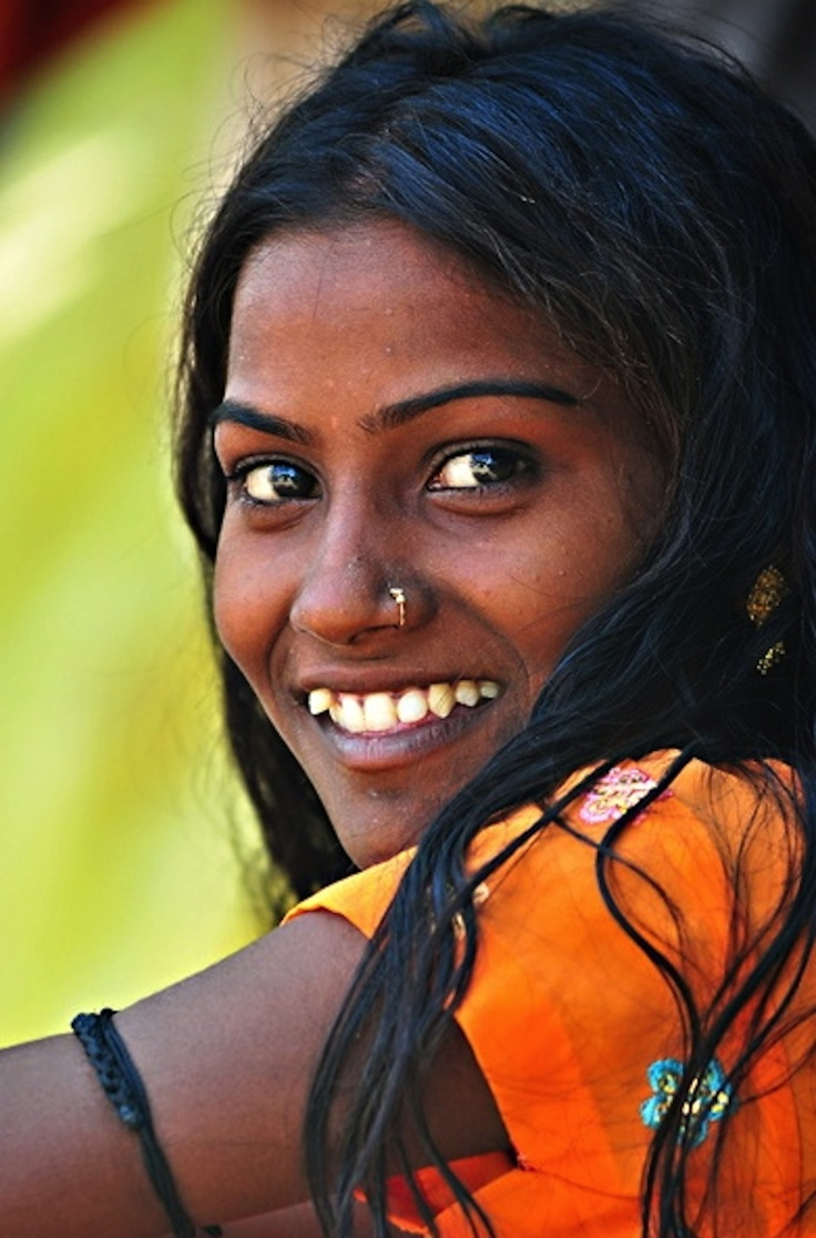 Indian Young Teen Model Fashion Glamour Model: She's So Pretty! Young Indian Woman