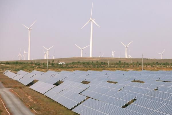 Cool Solar energy companies 2017: A contract for a new solar project in India could help the country reach its goa... News from UPI - United Press International