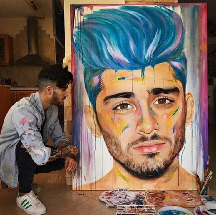 Zayn Malik drawing himself