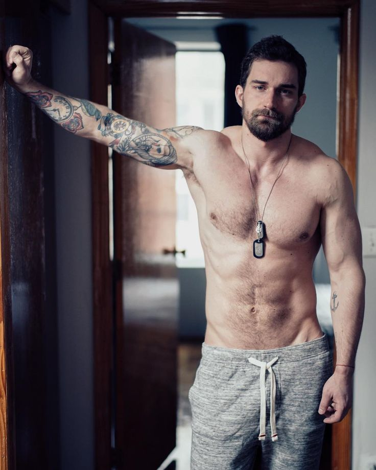 single guys with tattoos There is so much choice in tattoo designs for men that it would take some time to select the perfect one for you men usually prefer tattoo themes that signify power, strength and invincibility.