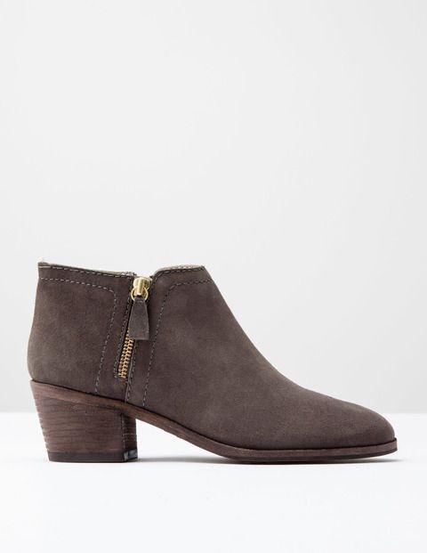Zip Low Heel Boot AZ233 Boots at Boden