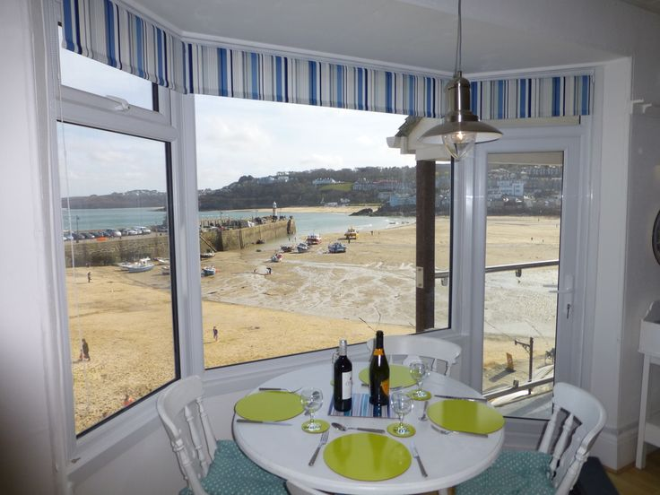 Balcony 'on the Beach', 3 Seagull House, St Ives, Cornwall. Self catering holiday accommodation with balcony and views. - Scorer Property