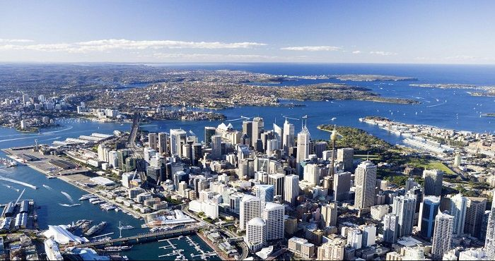 Visit and stay in Sydney, Australia's popular Harbour city and capital city of New South Wales. Located on the east coast of Australia, Sydney is one of Australia's most popular tourist destinations.