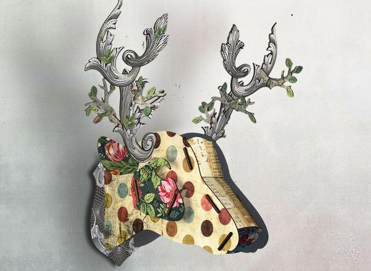 Grand Trophée de Cerf en bois imprimé chez Miho. Des objets poétiques et fantaisistes pour orner vos murs.