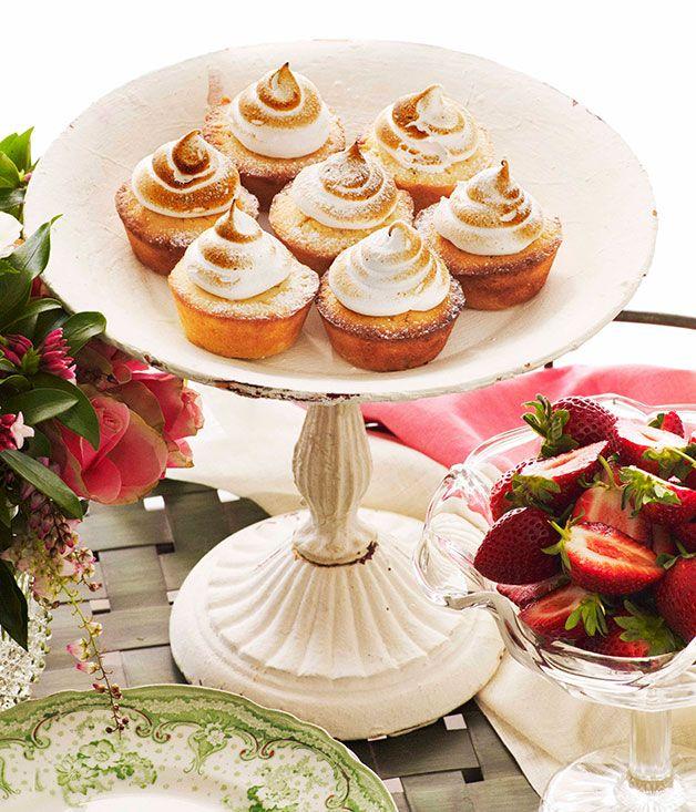 Little lime meringue cakes