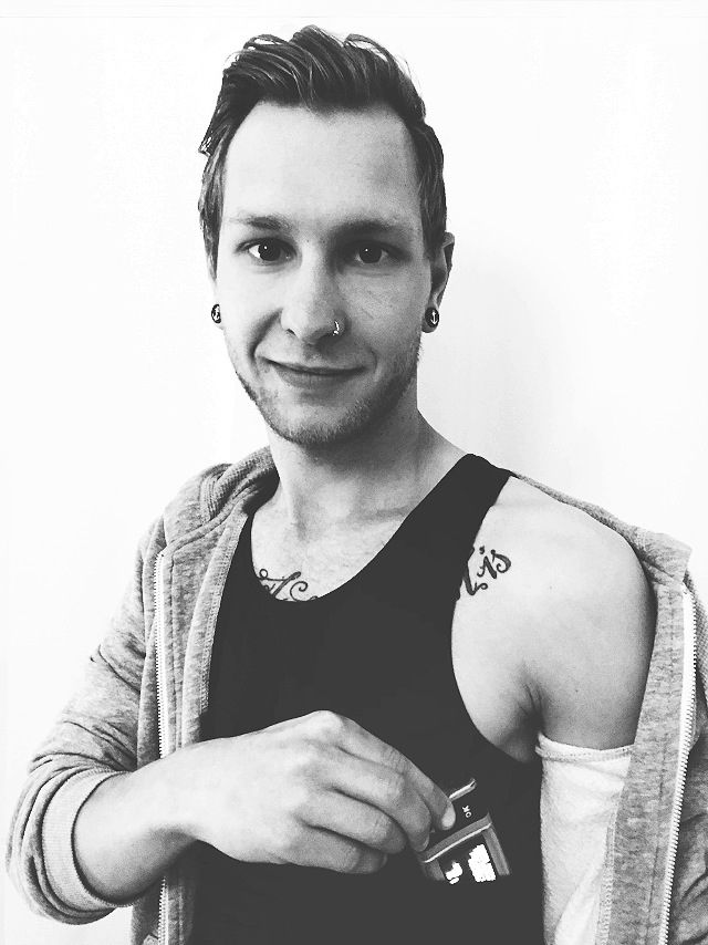 AnnaPS ambassodor Matthias Lindl – a German diabetes blogger with a great passion for spreading knowledge about diabetes! Matthias' favorite AnnaPS piece is the tank top, he uses it in a lot of situations to wear his pump safe and discrete.