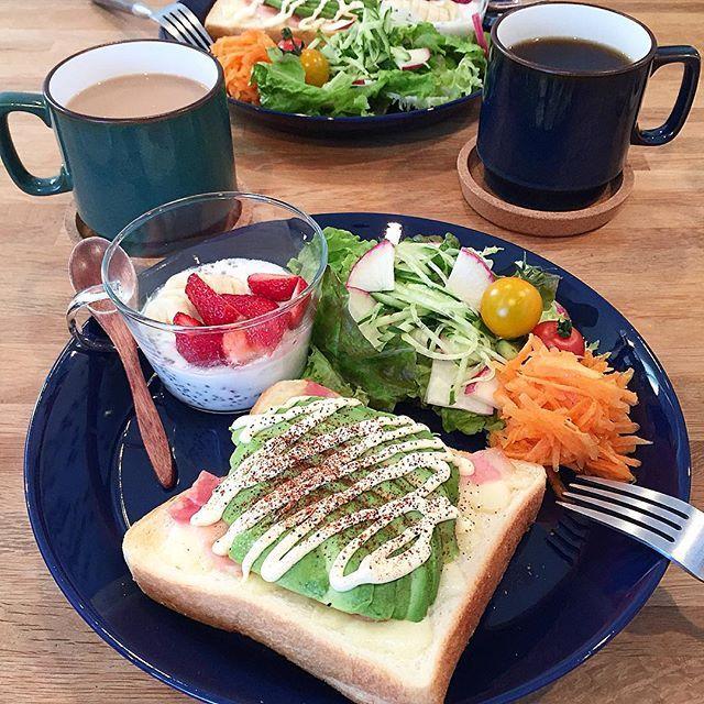 hi_rose80 on Instagram pinned by myThings Today's breakfast .  アボカドチーズベーコントーストでおはようございます☺︎ .  旦那さまがうまいうまいと食べてました . .  リオ氏、一昨日から咳が出ていて。。 様子見てたのだけど、やはりまだ出るので病院行ってきます 食欲あるし、本人元気だから大したことはないと思うけど。。 心配だからね。 . .  #breakfast #homemade #foodie #foodpic #foodporn #朝食#朝ごはん#朝ごパン#おうちごはん#新米ママ #男の子ママ #9months #生後9ヶ月 #5月生まれ #kaumo #kurashirufood #delistagrammer #デリスタグラマー#ワンプレート#iittala #ig_food