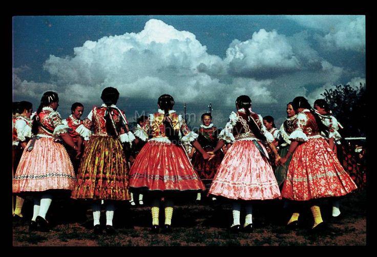folk dance Néprajzi Múzeum | Online Gyűjtemények - Etnológiai Archívum, Diapozitív-gyűjtemény