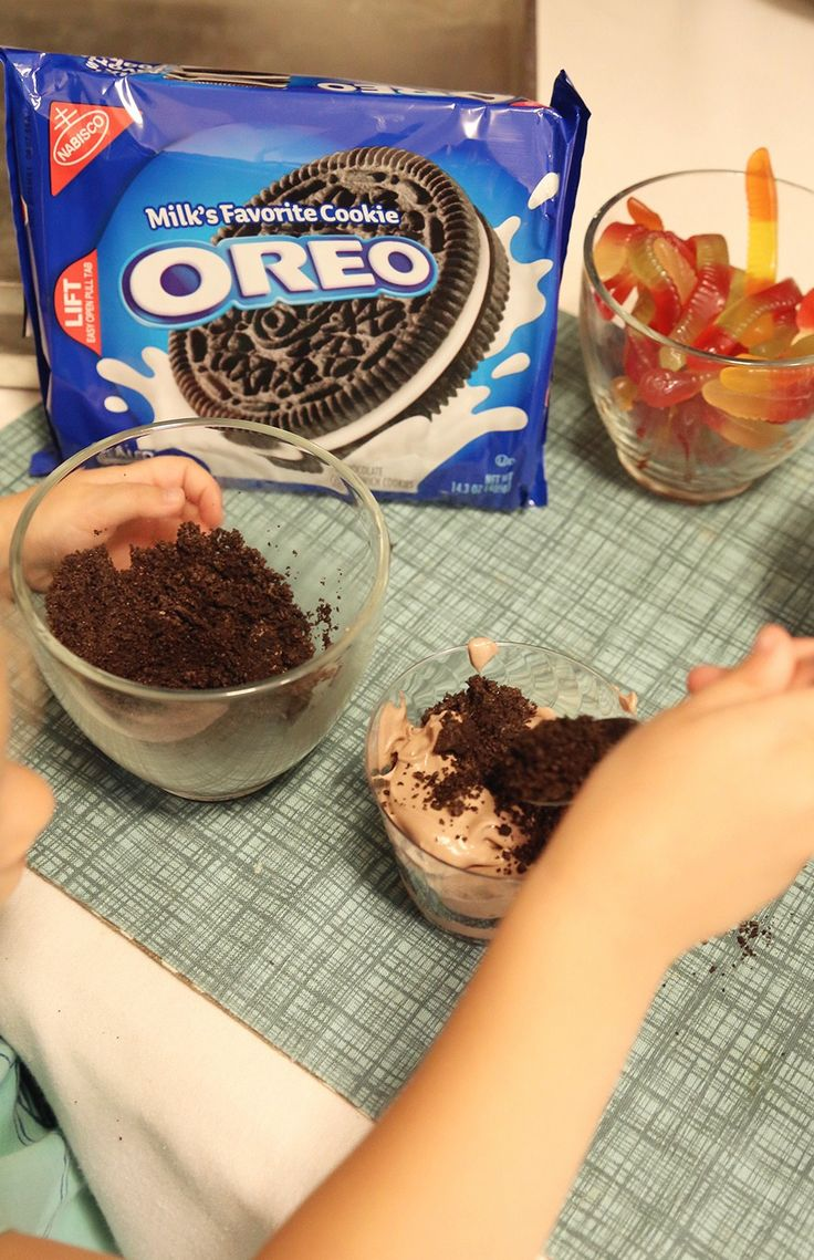 "[Sp] ""Dirt"" pudding cups made with OREO cookie crumbs are a fun, sweet treat!"