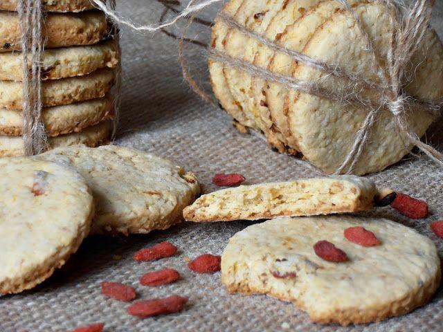 CAIETUL CU RETETE: Biscuiti digestivi cu tarate de ovaz si goji