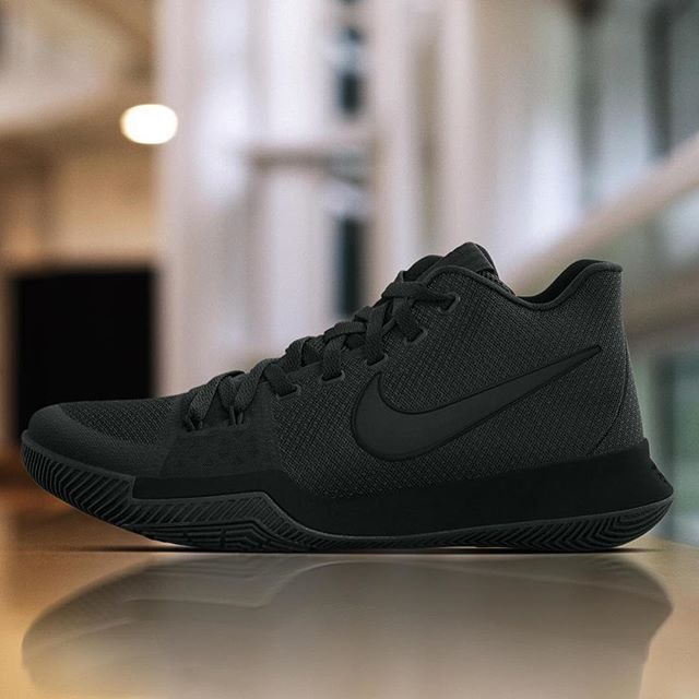 @kyrieirving's MLK Day Nike Kyrie 3 PE