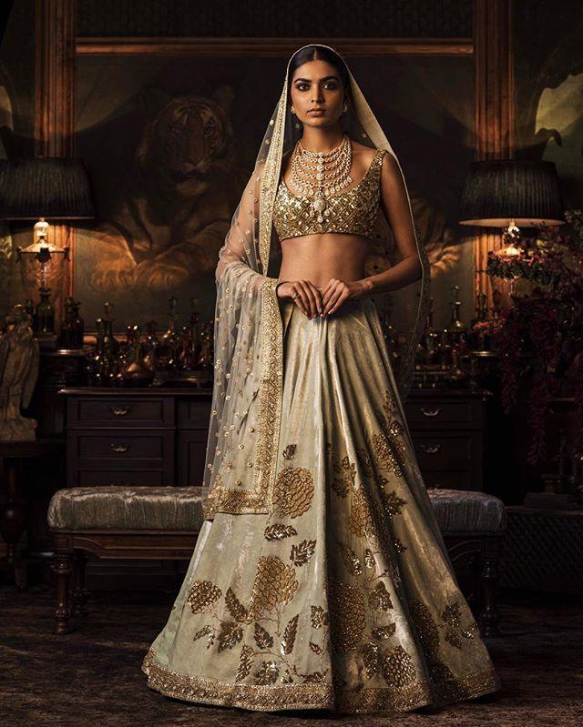 #Sabyasachi #Couture2016 #FIRDAUS #HeritageBridal #WinterWeddings #KishandasForSabyasachi #HandCraftedInIndia #TheWorldOfSabyasachi @kishandasjewellery
