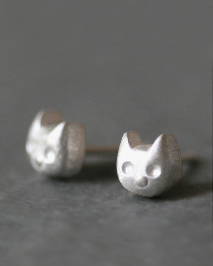 {Kitty Earrings} sterling silver tiny kitty heads