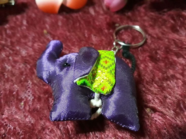 Hand Made Key Chain Key Ring Silk Elephant Collectible gift free shipping