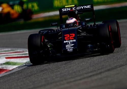 Motori: #F1 per #Button anno sabbatico nel 2017. Al suo posto Vandoorne (link: http://ift.tt/2c2Bzia )
