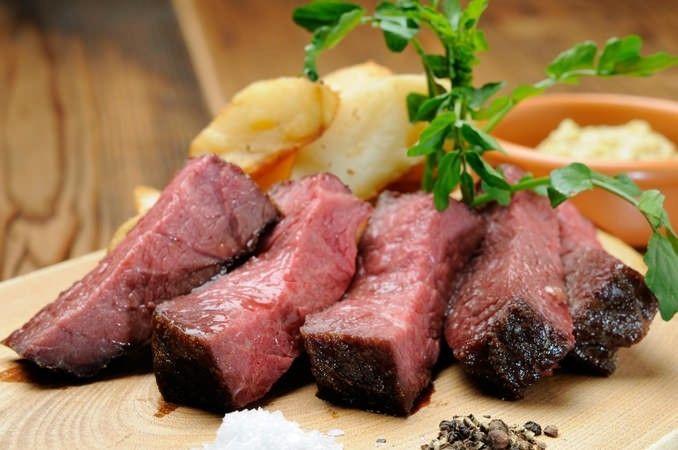 ビストロ 熟肉(なれにく) 新宿 熟成肉がうますぎる!東京都内にある「ドライエイジングビーフ」のお店5選   RETRIP