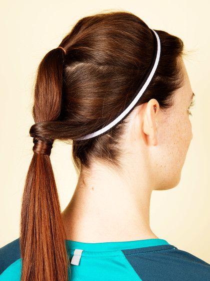 Pferdeschwanz mit Haarband - eine schöne und praktische Sportfrisur.