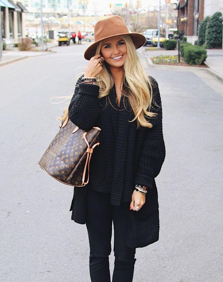 Nashville fashion & lifestyle blogger @SheaLeighMills