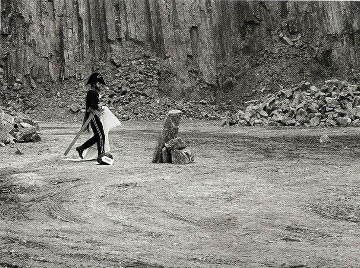 Michele De Lucchi nella cava di Trachite dei colli euganei, 1973