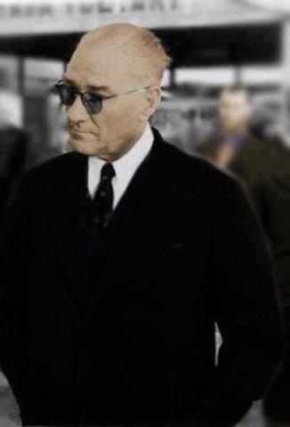 13.00'de altı kaşık süt, 15.00'i 10 geçe biraz çorba ve 17.15'de dört kaşık elma suyu almıştı.[3]    8 Kasım 1938 günü saat 18.00'den sonraki gelişmeleri Cumhurbaşkanı Genel Sekreteri Hasan Rıza