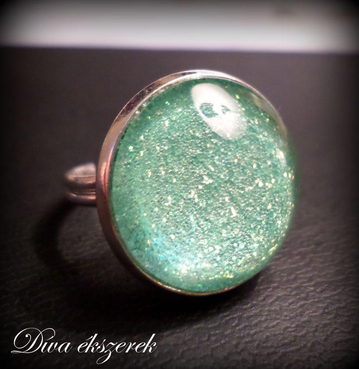 Menta színű Ragyogó. Glitter ring. https://www.facebook.com/divaekszerek