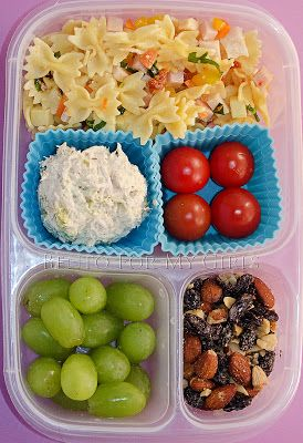 Sick of sandwiches for lunch? Give this lunchbox idea a try! | packed with EasyLunchboxes