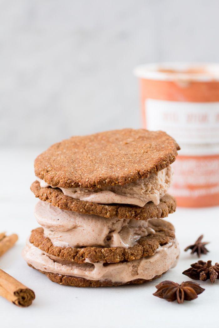 Knapperige, glutenvrije speculaasjes met het lekkerste lactosevrije ijs - ertussen: Speculicecream sandwiches  | Recept van Eetpaleo | Femke's Foodies - bakbananenmeel | Plantanflour, glutenfree