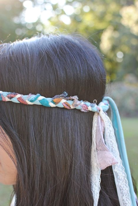 Delightfully Tacky: D I Y braided headband maybe for the girls' Halloween hippie costumes...