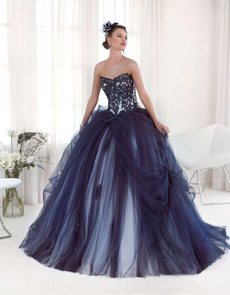 Abito da sposa Delsa, linea Maria Cristina 2016 F2231 Tulle e pizzo ricamato Colore: Blu - Bianco seta  #delsa #delsa2016 #mariacristina #blubiancoseta #tulle #pizzoricamato #bridaldresses #weddingdresses