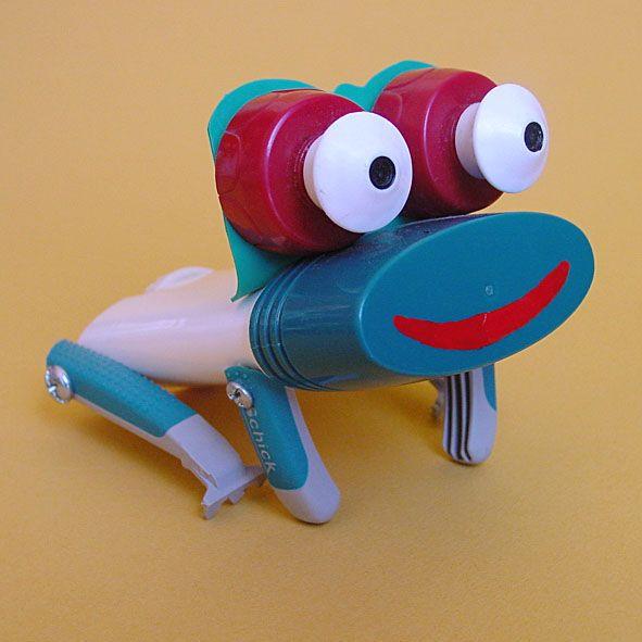 Juguetes a partir de materiales reciclados: rana