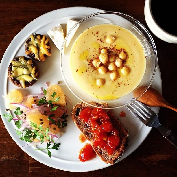 Today's breakfast. Chickpeas soup, Tomato jam ひよこ豆のポタージュ、トマトのジャム、マッシュルームのチーズ焼き - @keiyamazaki- #webstagram