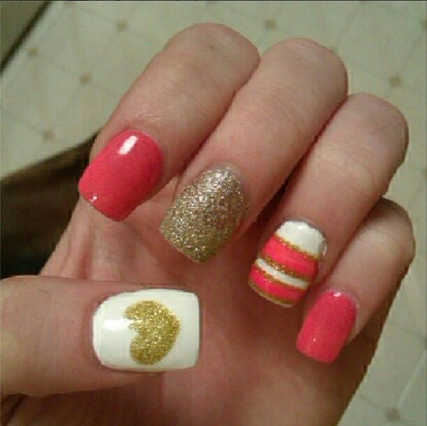 #nails #coral #coralnails #pink #white #gold #stripes