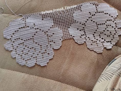 Bir de bundan ♀️(ipim yabalı 50 numara-1378) #dantelkolikler #dantelsevdalıları #dantel #sultandesign #sultanirmaktuysuz #evdekorasyonu #evdekor #crochet #handmade #konsol #salontakimi #istanbul