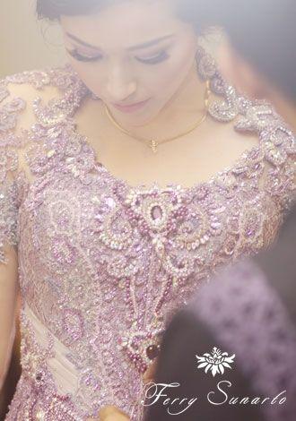Adelia Pasha in Ferry Sunarto #kebaya #kebaya #kebayamodern #indonesia #ferrysunarto #designer #designerindonesia #pernikahan #wedding